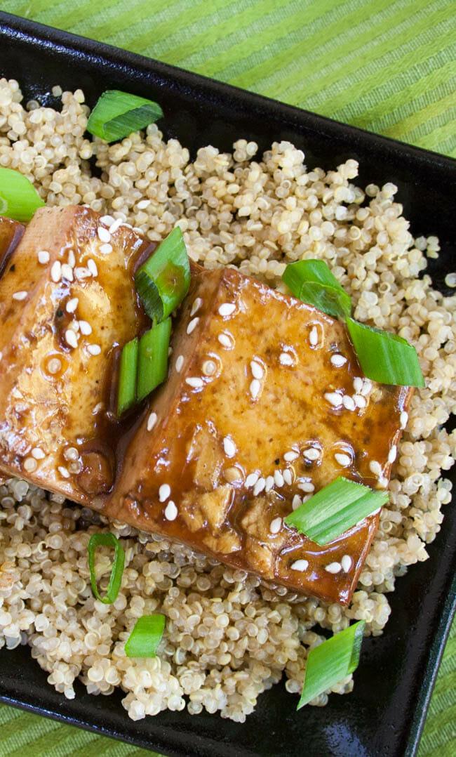 Ginger Hoisin Tofu birds eye view close up