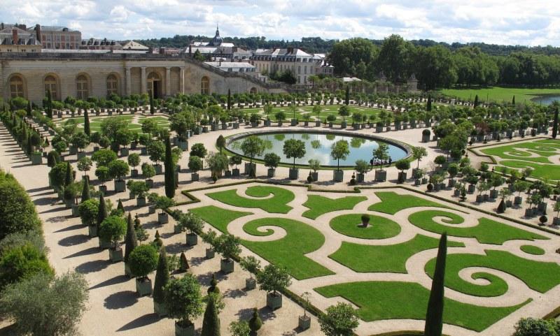 Versailles - Manicured Gardens