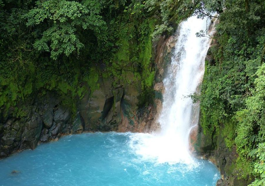 Fit mit Wechselduschen Wasserfall