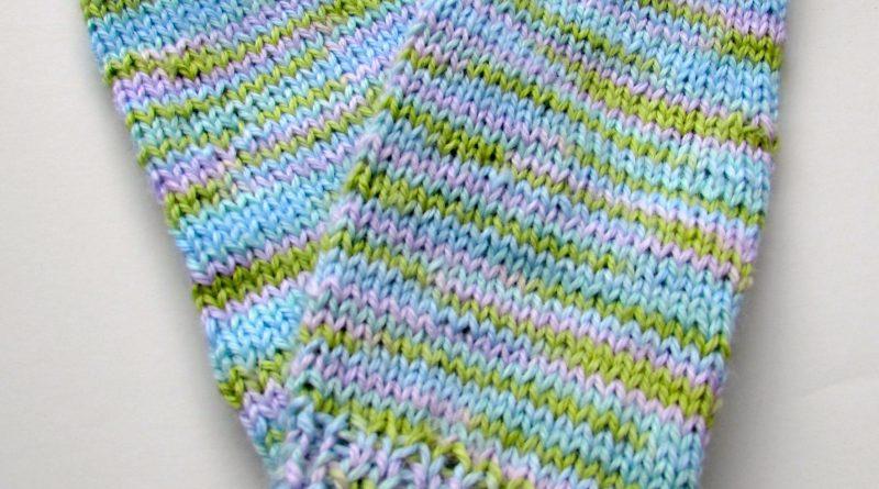 Knit legwarmers. http://www.itchinforsomestitchin.com