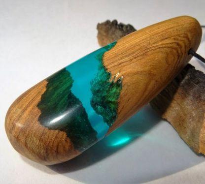 Colgante madera y resina