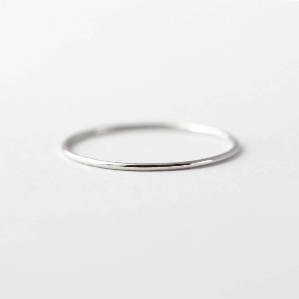 How to Take Better Photos for Your Etsy Shop | I can't say for sure, but I think this ring from BlueRidgeNotions was photographed in a light box.