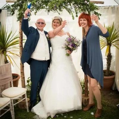 Sue and Okkie's garden wedding – teamwork at its best!