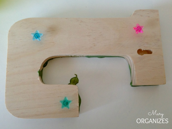 Use thumbtacks to keep the Letter off your table