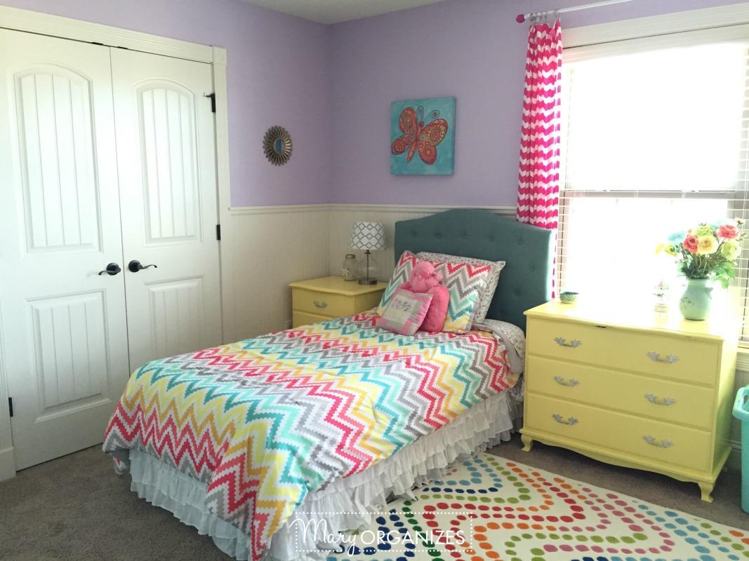 3 girls 39 shared bedroom tour. Black Bedroom Furniture Sets. Home Design Ideas