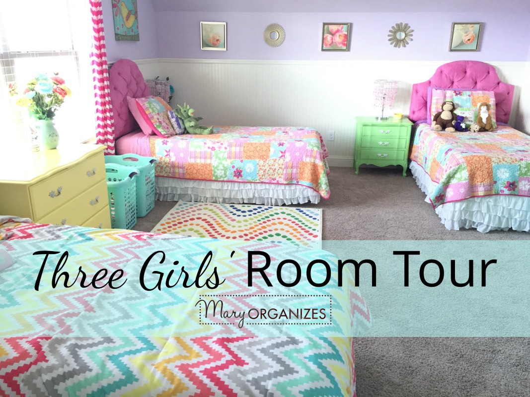 3 Girlsu0027 Shared Bedroom {Tour!}