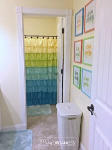Tour the Girls' Bathroom