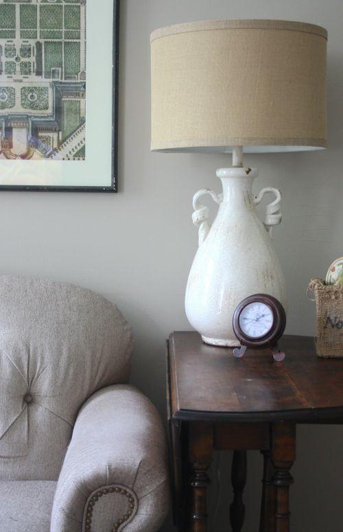 Ceramic urn lamp