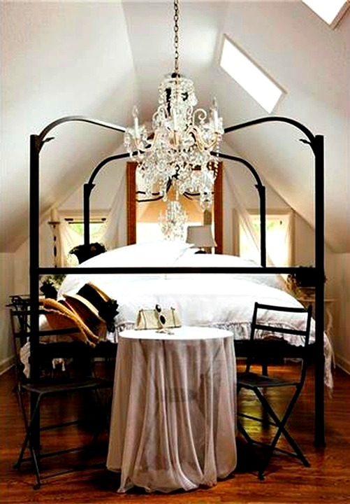 Romantic bedroom alcove