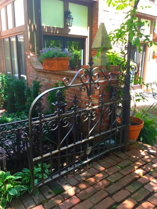 tudor garden 1
