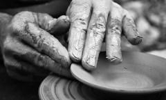 Potter's Hands- flickr Mainile Olarului