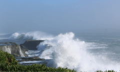 Storm Waves in Santa Cruz, photo credit: Christine Hegermiller for the USGS