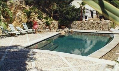 Embellir ma piscine remplacement de skimmers par un débordement