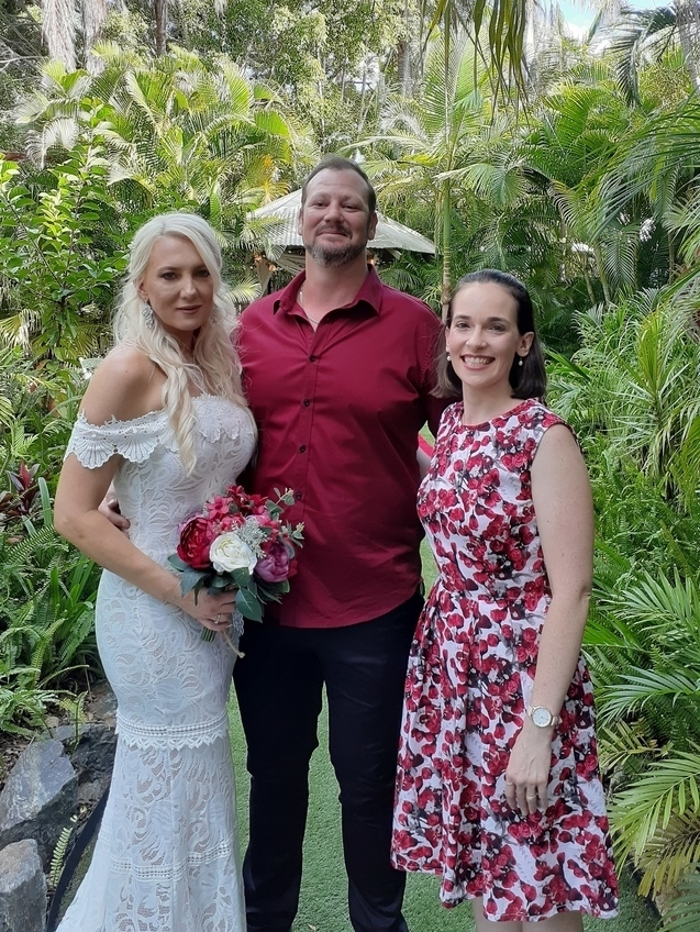 Fun Brisbane Celebrant with bride and groom