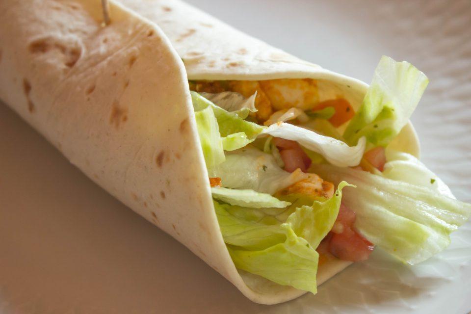 Italienischer Salat-Wrap