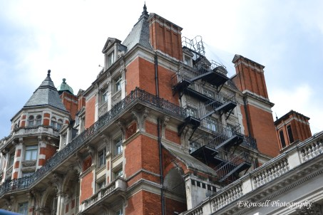 I swear every structure in London was beautiful even the apartment buildings!
