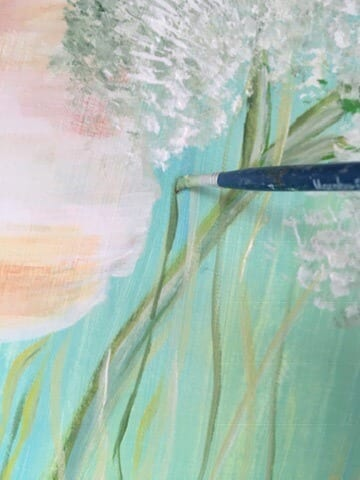 Du siehst wie Dodo das Olvigrüne mit einem Borstenpinsel malt