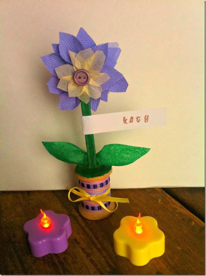 DIY Wedding Week - Spool and Paper Flower Place Card Holders - CreativeCynchronicity.com