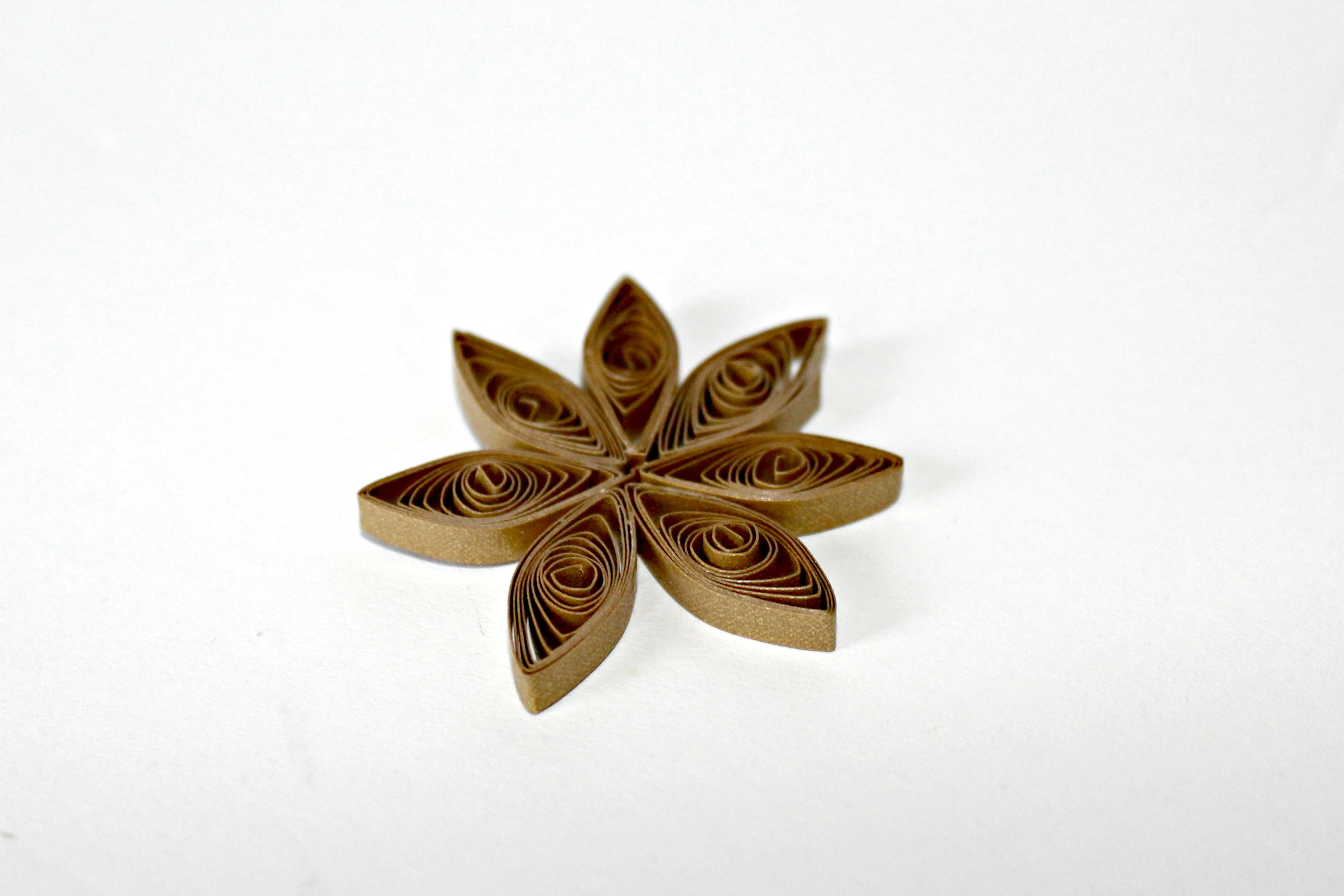 paper quilling marquise or eye shape
