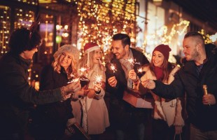 tips for throwing a healthier holiday party