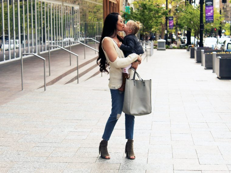 mom and daughter lifestyle photography