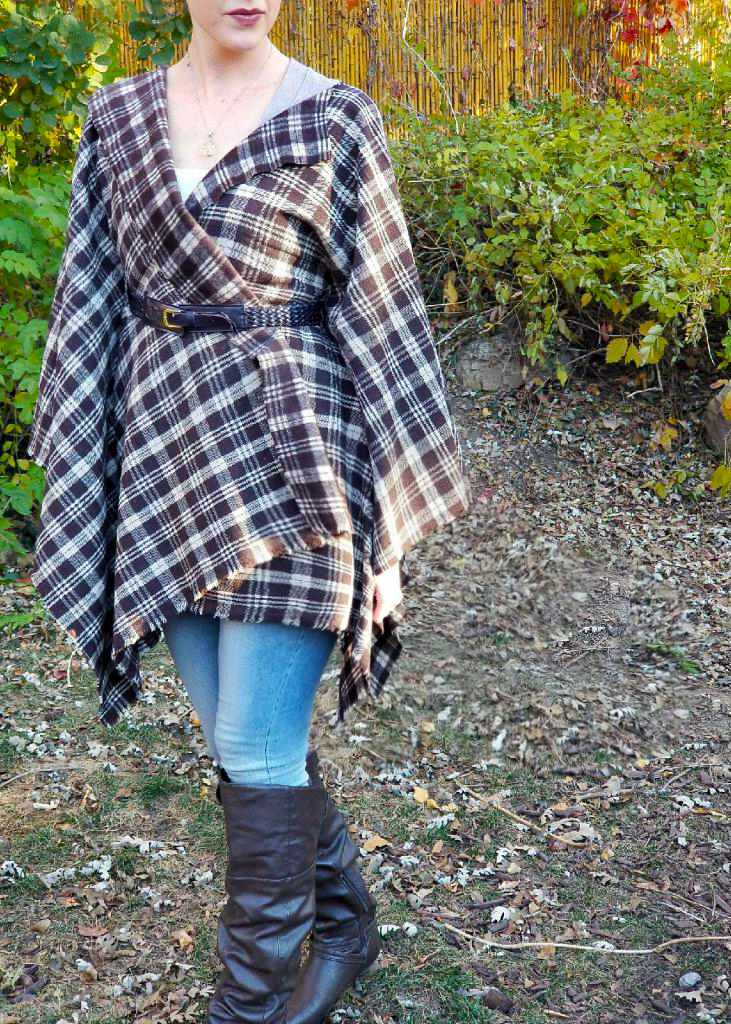 Make this no sew blanket jacket in under 20 minutes
