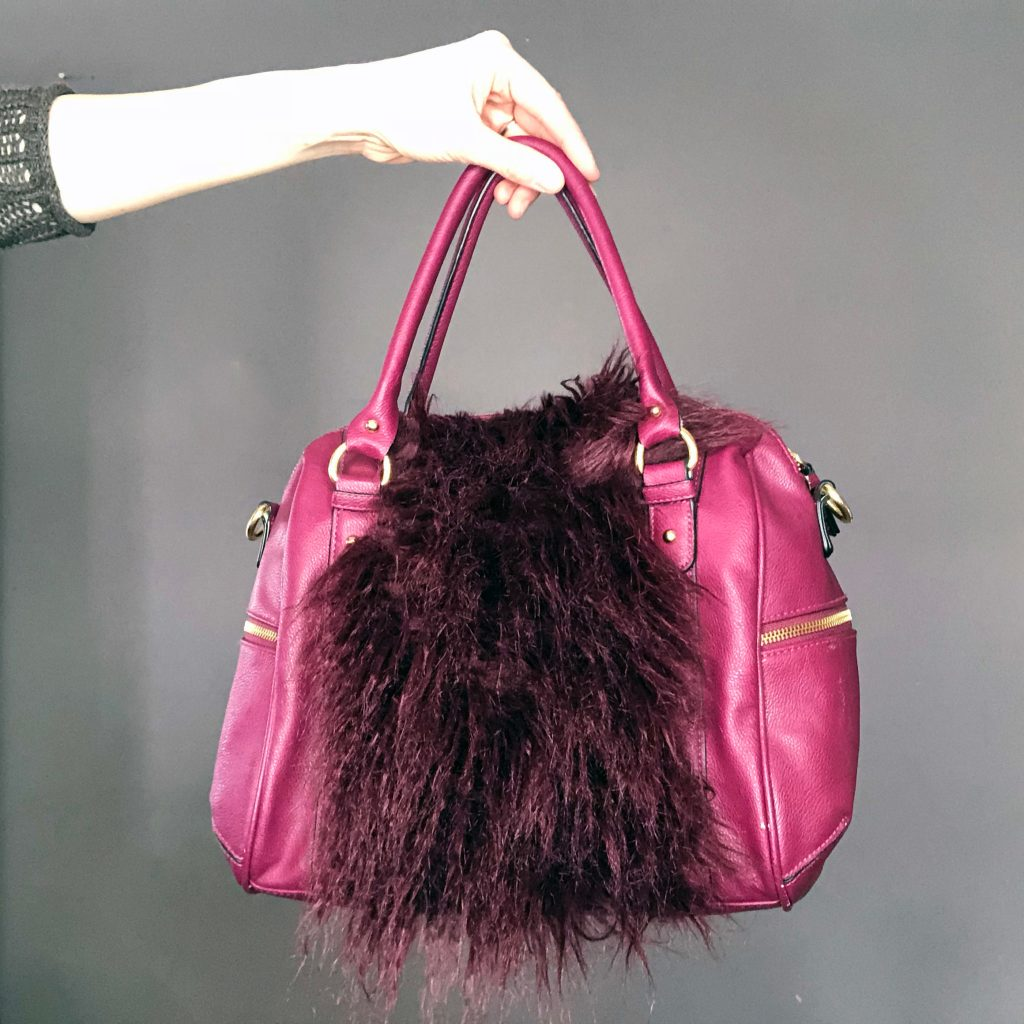 How to add a fur embellishment to an old purse. A simple refashion DIY tutorial