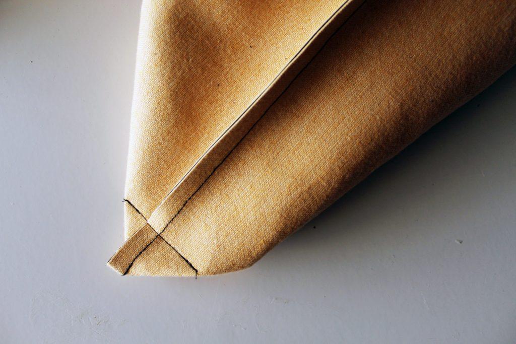 How to sew a DIY Messenger Bag -