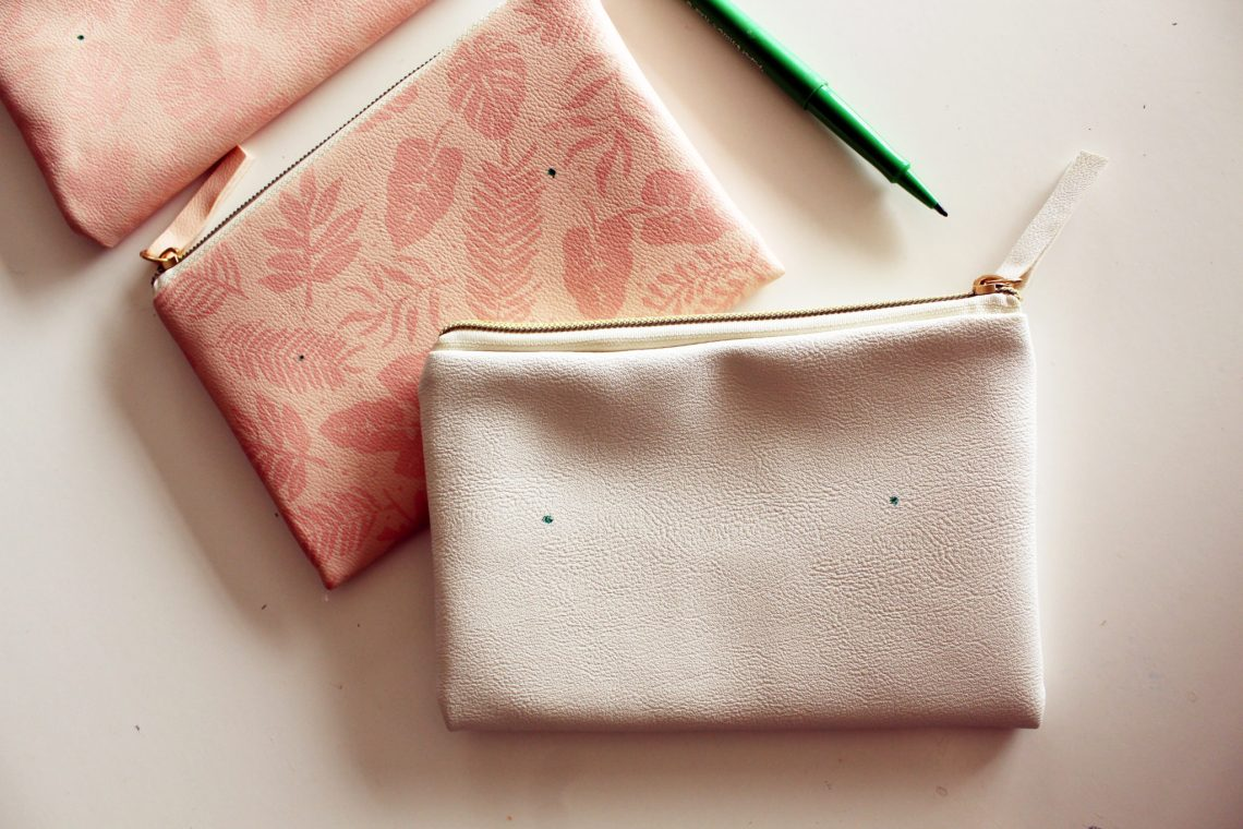 Make a DIY Magnetic Pouch Purse Organizer -