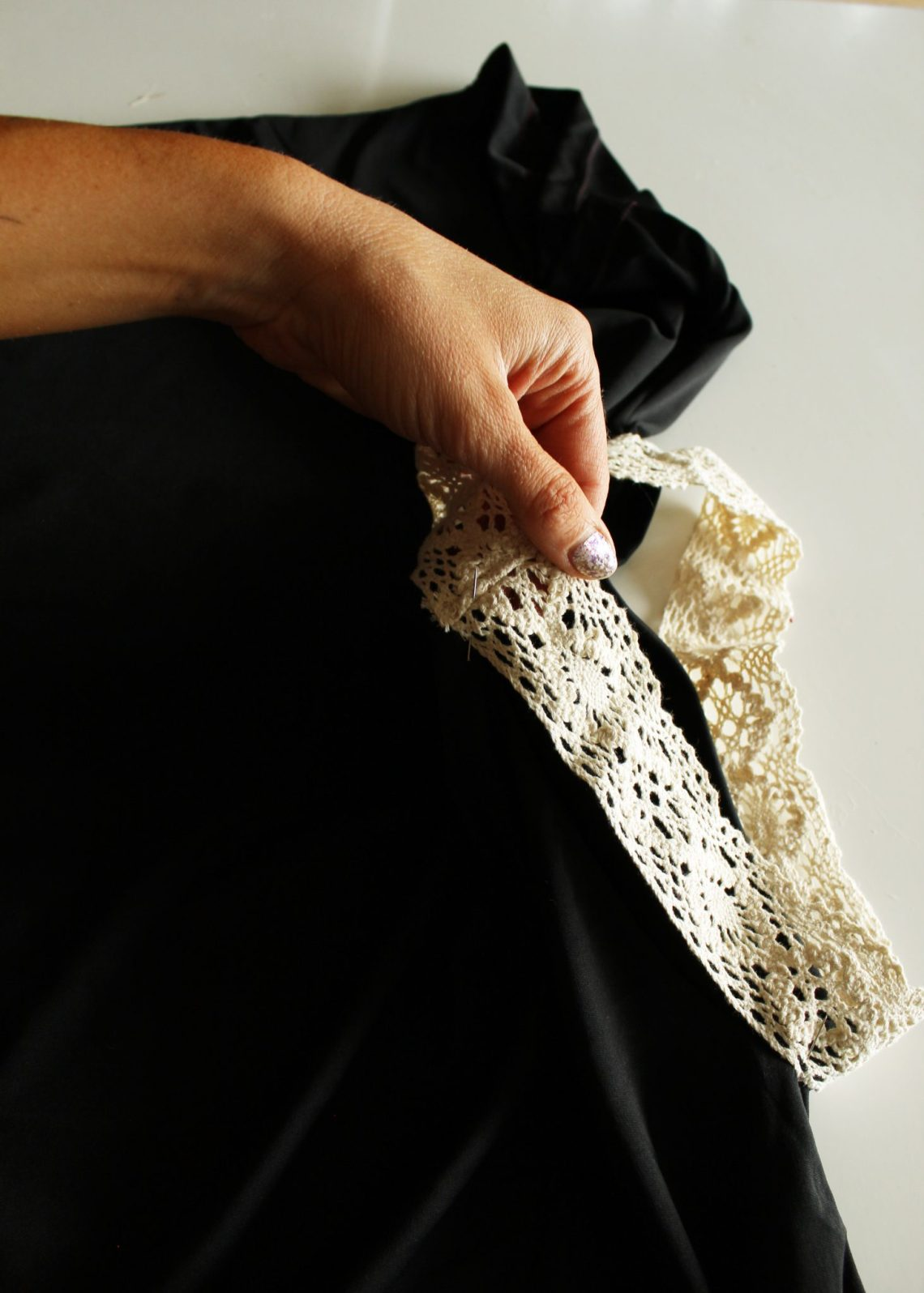how to add lace embellishments to diy refashion shirt tutorials