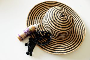 How to make a fun DIY summer hat for women . Easy 5 min. no sew project!