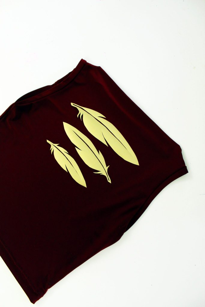 DIY T shirt refashion with this FREE pdf feather printable stencil..