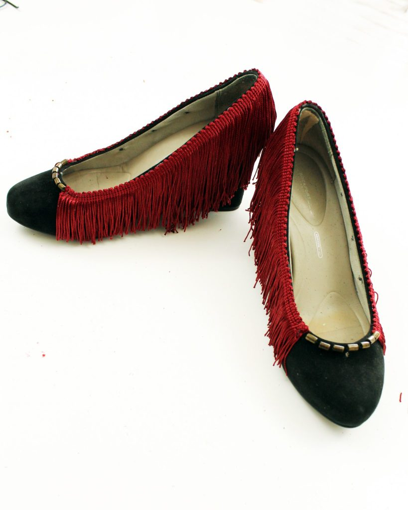 Heel makeoever. How to refashion your shoes with boho fringe