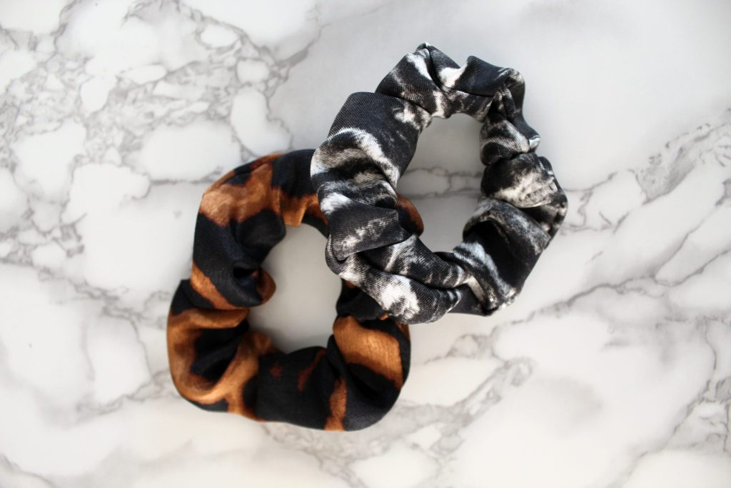 How to make your own silk scrunchie with a FREE printable sewing pattern pdf
