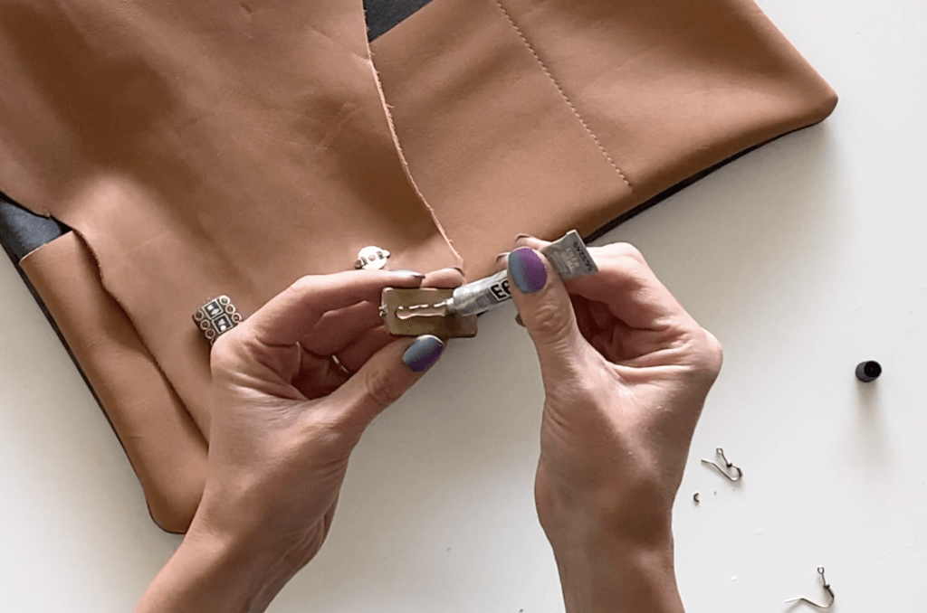 leather laptop pouch DIY tutorial step 1