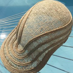 cappello in fibra naturale