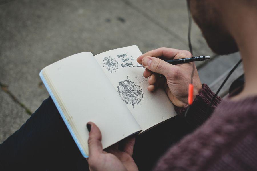designer sketching ai