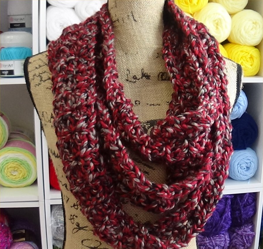 Chain Reaction Scarf Cardinal