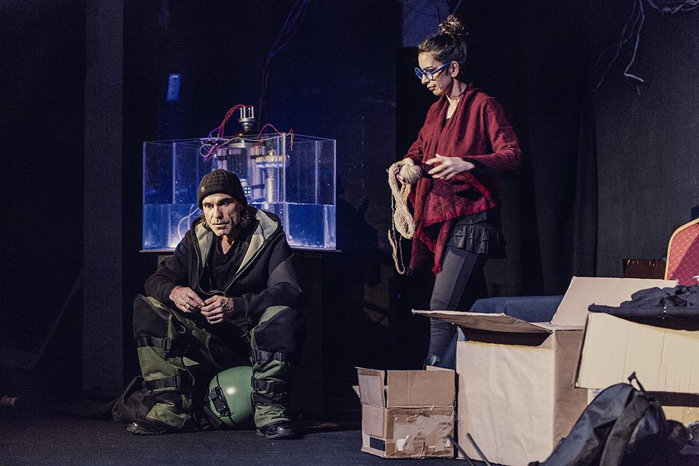 _VLADI VURGALA-ЧЕРВЕНАТА ИЛИ ЧЕРНАТА-001