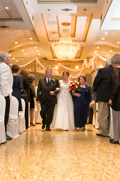 Both mom and dad walk bride down aisle at Mendenhall Inn