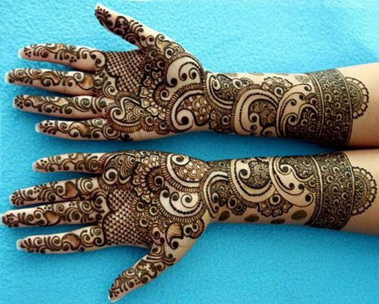 ... Mehndi design is perfect for those ladies who like thick henna designs