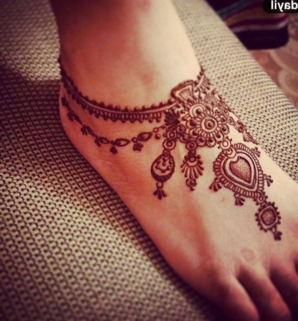 mehndi design on feet