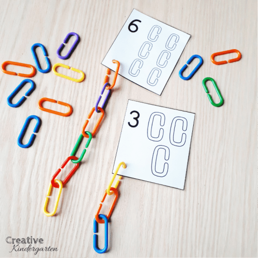A review of Counting Principles for kindergarten number sense. Free abstraction counting cards for your students to use to practice their number sense skills. FREEBIE included! #abstraction #numbersense #creativekindergarten