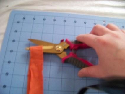 Cutting the t-shirt loop