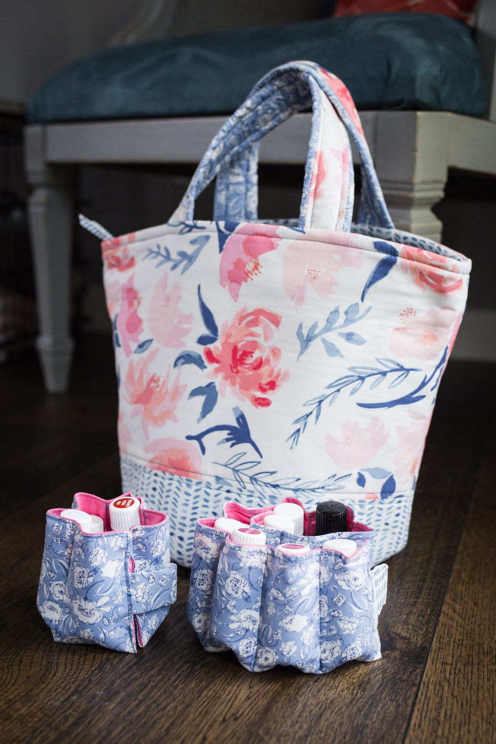 Essential oils AND diffuser storage bag pattern.