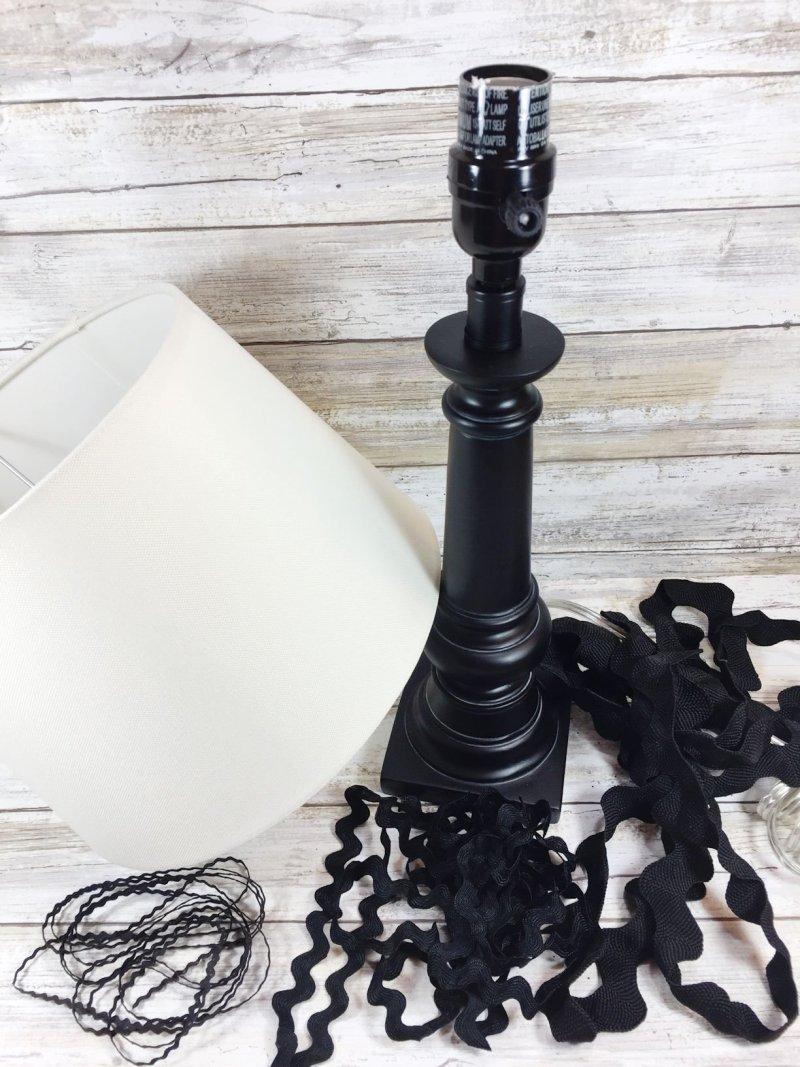 UPCYCLED-FARMHOUSE-CHIC-LAMP-CREATIVELY-BETH-1
