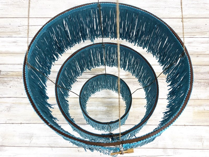 Creatively Beth creates a trendy Fringe Chandelier with embroidery hoops #fringe #embroideryhoop