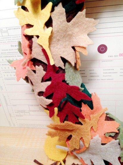 Creatively Beth layer Kunin Felt falling leaves #creativelybeth #wreath #feltcrafts #autumnleaves #fallleaves #fallcrafts