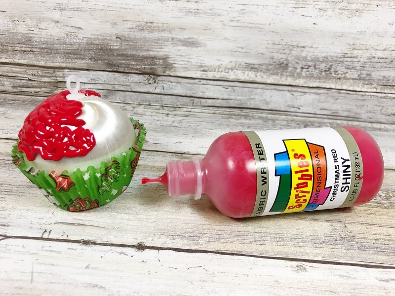 Frost the Cupcakes with Dimensional Fabric Paint #creativelybeth #dollartreecrafts #christmascrafts #christmascupcake