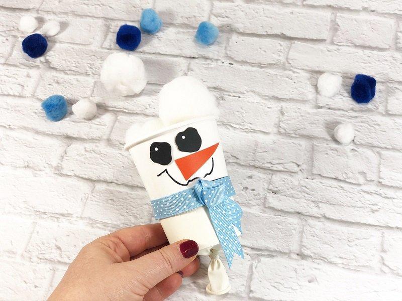 Snowball Fight! Snowman Pom Pom Popper Creatively Beth #creativelybeth #dollartreecrafts #pompom #snowman